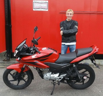 Black and Red Honda CBR125