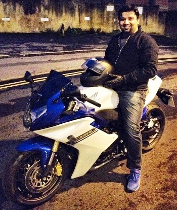 Blue and White Honda CBR600